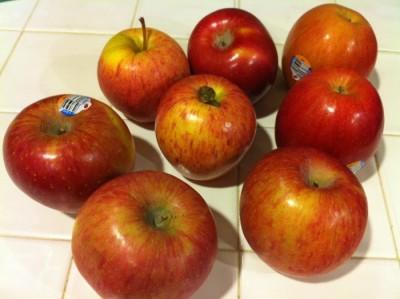 Easy homemade baked cinnamon apples