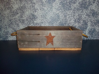 country style charms with this barnwood  tray