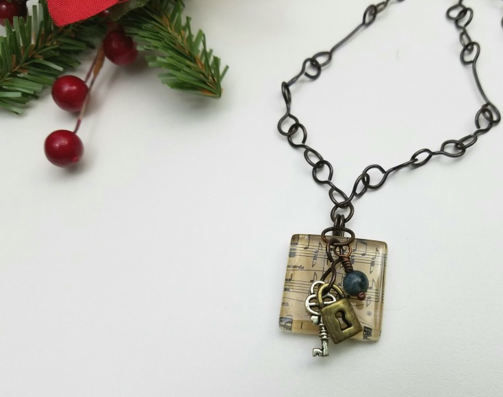 4 Weeks Til Christmas Gift List – Handcrafted Necklace