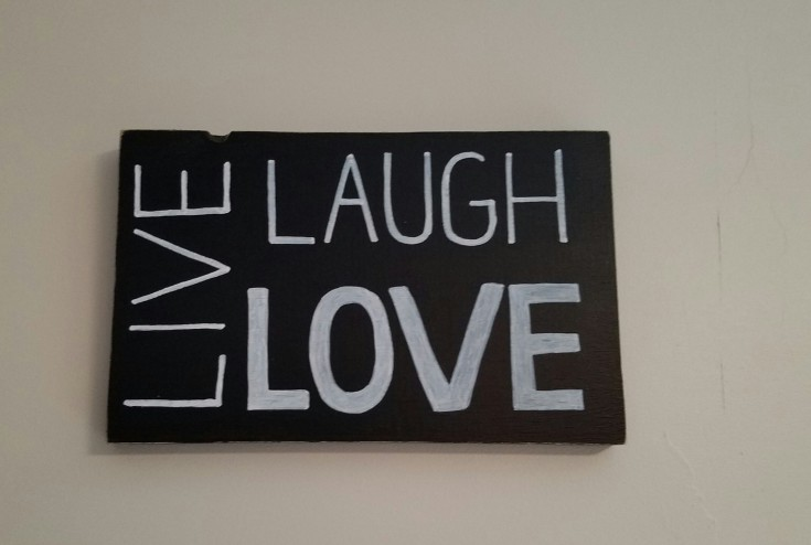 diy live, laugh, love sign