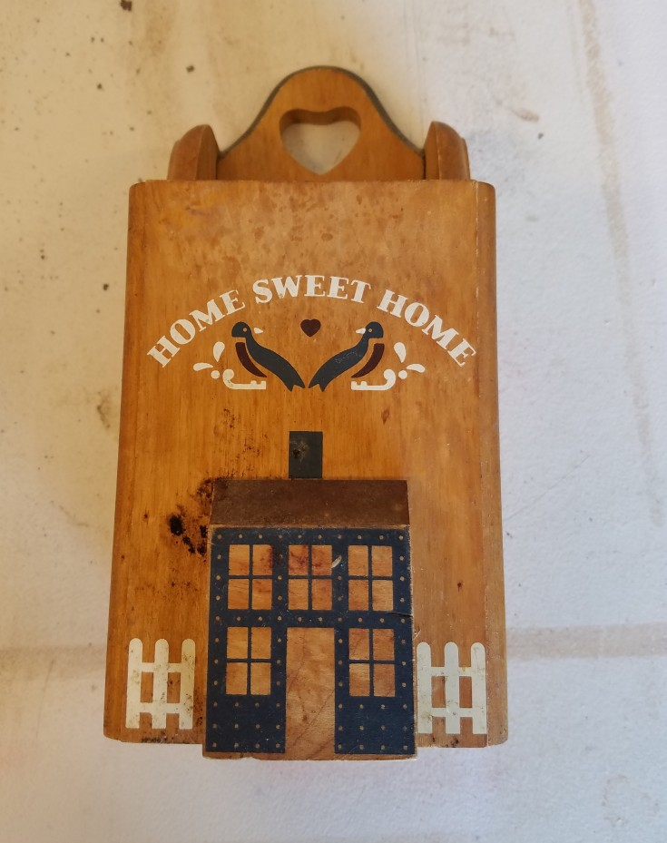 Farmhouse Signs and Thrift Store Makeovers