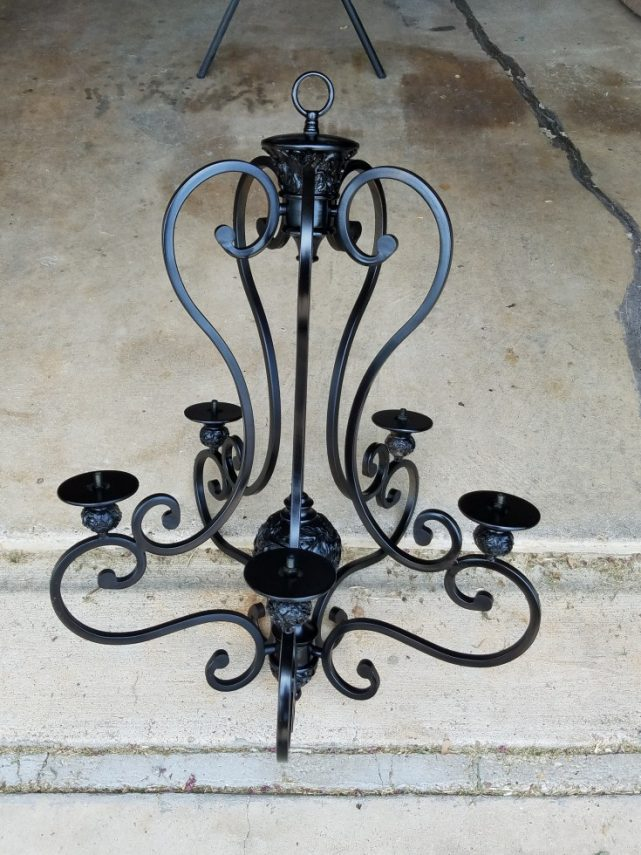How to make a diy solar light chandelier mixed kreations for Solar light chandelier diy