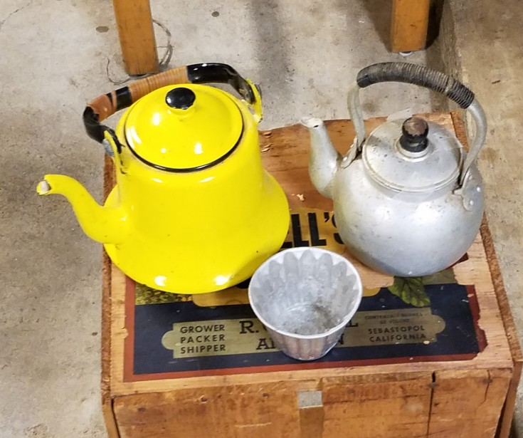 Wimberley Trip, and Junkin at Antique Alley | antique teapot and jello mold