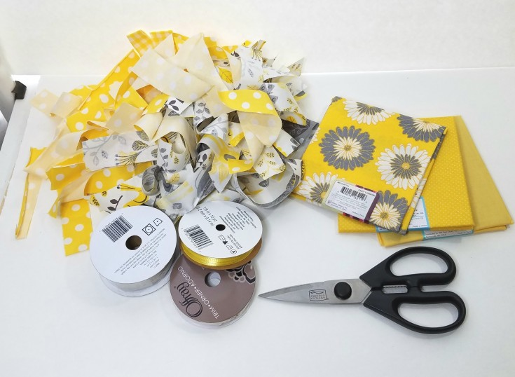 diy shabby yellow garland | how to make shabby garland #Shabby #Garland #HomeDocor #diy MixedKreations.com