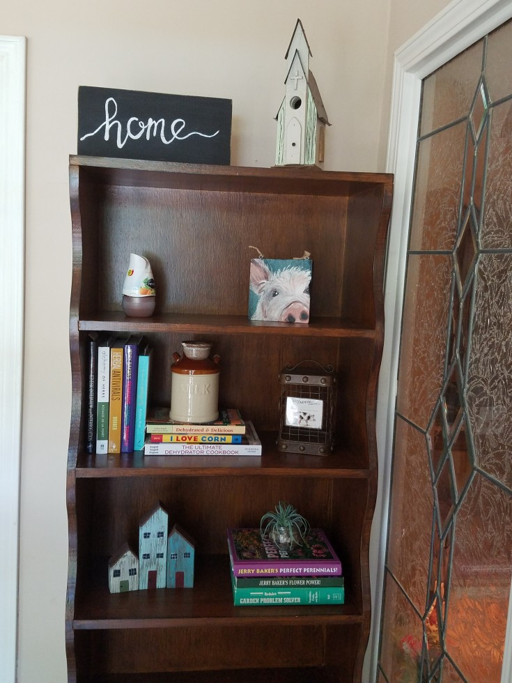 How to Make a Wood Home Decor Block for a Shelf
