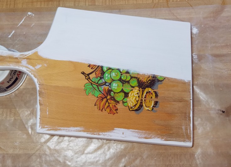 Repurposed cutting board and grater, how to upcycle a wood cutting board and grater, photo display, recipe holder, diy, Mixedkreations.com