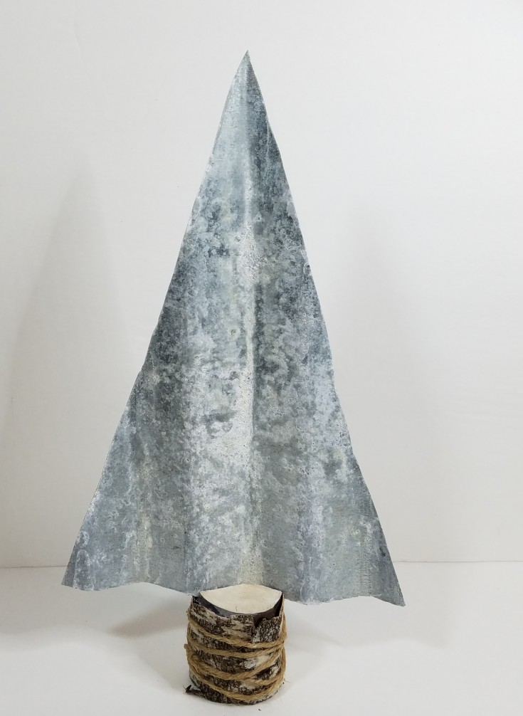 Diy Rustic Galvanized Metal Christmas Tree Decor, how to make a rustic metal christmas tree out of corrugated metal, diy holiday decor, MixedKreations.com