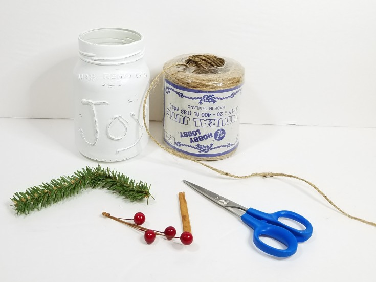 How to repurpose a jar into holiday decor, Repurposed holiday decor jar, MixedKreations.com