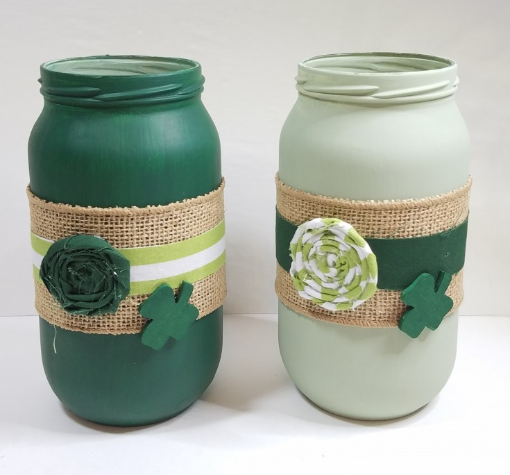 Holiday decor, Diy Upcycled Saint Patrick's Day Jars, How to upcycle glass jars into pretty St. Patricks Day decor, Repurpose glass jars into home decor for the holiday MixedKreations.com