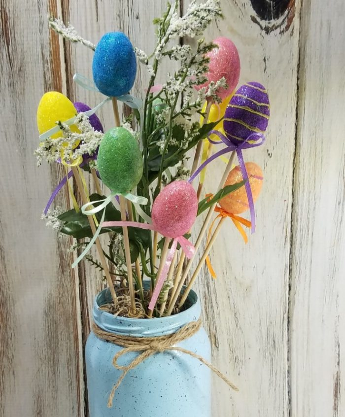 How to make a speckled Easter egg jar out of a empty glass jar for a Easter centerpiece.
