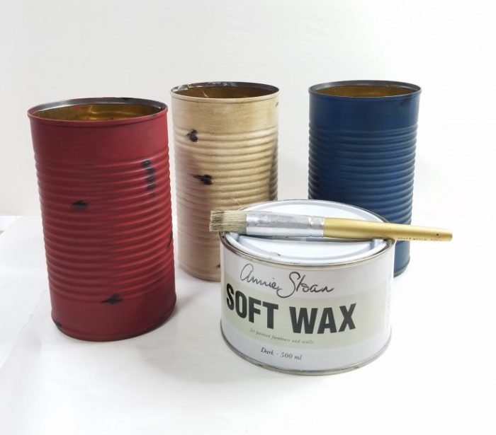 How to upcycle empty cans into red white and blue patriotic decor